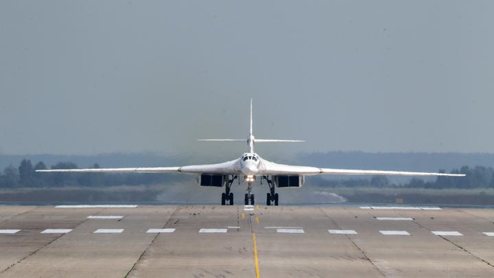 Российские Ту-160 с воздуха прикрыли войска на белорусской границе