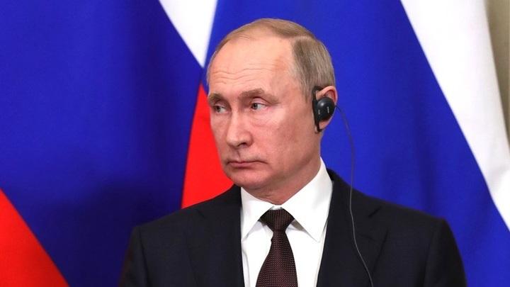 Где пенсии и кому льготы: Путин исправил ошибки журналиста