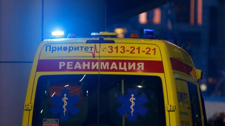 Пьяный водитель вылетел на тротуар и сбил пешеходов в Екатеринбурге