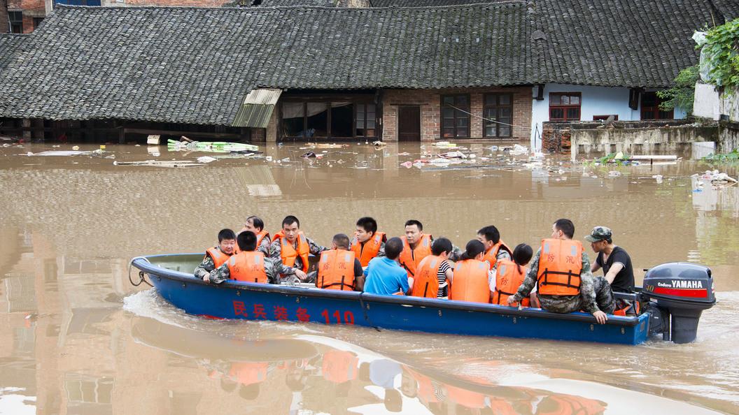 В Китае из-за ливней погибло 18 человек