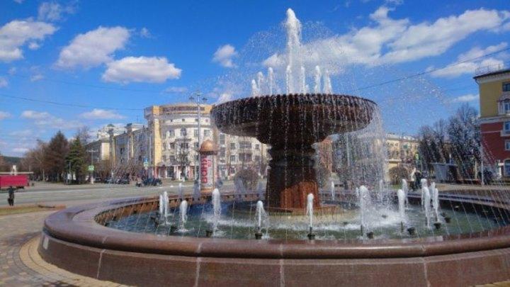 В Кемерове запустили в работу 10 фонтанов