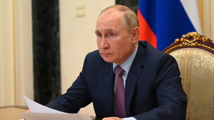 Какой ответственный: Жители США сравнили самоизолировавшегося Путина со своими политиками