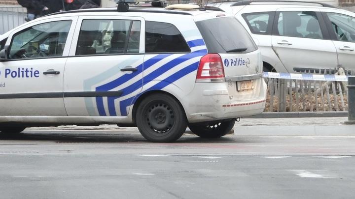 Домушник забаррикадировался и обстрелял полицейских в окрестностях Брюсселя