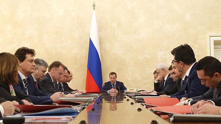 Мораторий с двойным дном: Чем грозит экономике налоговая реформа Медведева