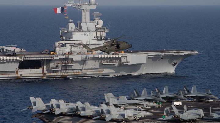 Коронаносец: Флагман французского флота проиграл сражение с COVID-19