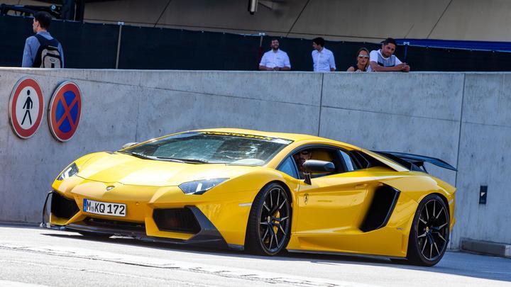 Lamborghini против скорой помощи В Москве задержали мажора который поиздевался над медиками