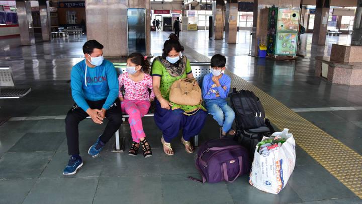 Путешественников снабдят особыми паспортами после вакцинации: ВОЗ занялась проработкой вопроса