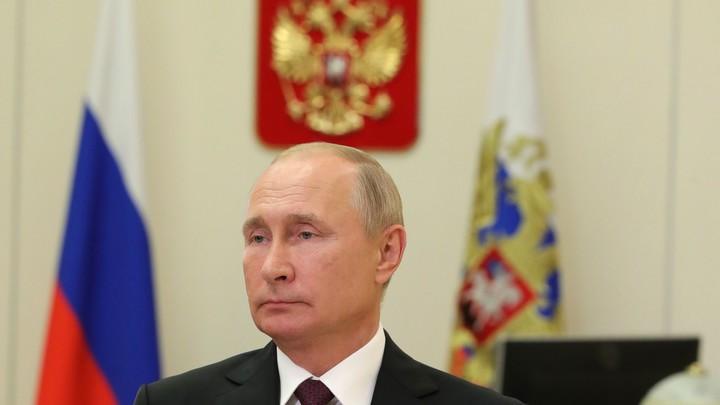 Укол для президента: В Кремле подтвердили вакцинацию Путина от COVID