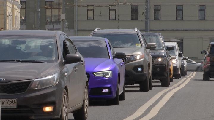 Красивый номер для авто за миллионы рублей: Источник и эксперт разошлись в цене на госзнак