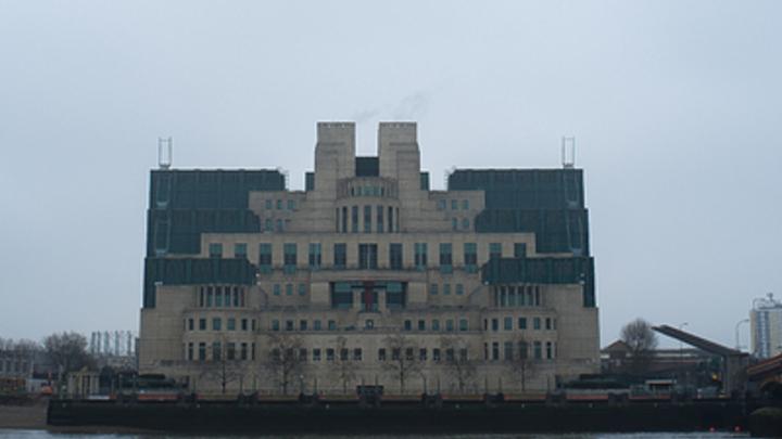 Больше всех от отравления Скрипалей выиграла MI6: В посольстве России сделали выводы