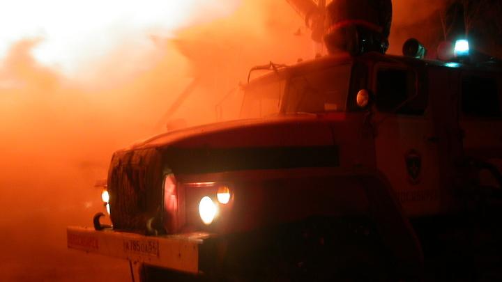 В Новосибирске дотла сгорел трамвай: 5 человек успели спастись