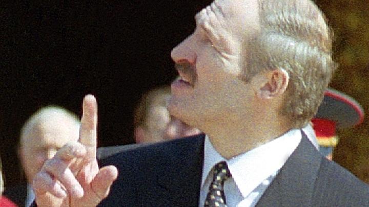 Оторвал пуговицы и… Лукашенко припомнили его оппозиционные приключения
