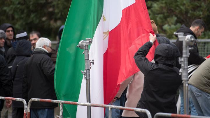 США пытаются превратить Иран в полигон для нового майдана