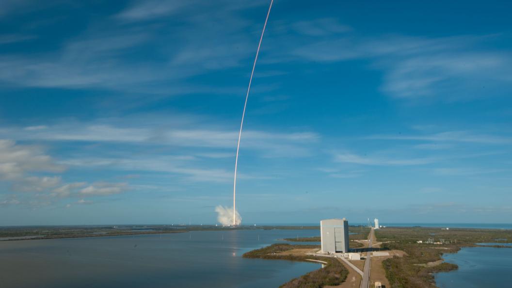 Только российские Протоны: в НАСА отказались от новой ракеты Илона Маска