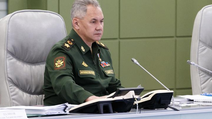Шойгу назвал Путину срок завершения испытаний новой вакцины от COVID