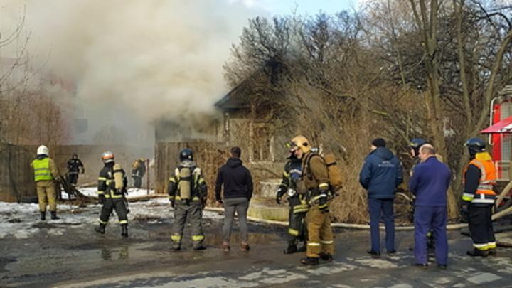 В Могойтуе пожарные спасли женщину, запертую в задымлённой квартире