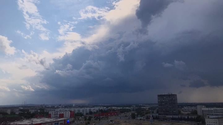 Ливни, град и ветер до 18 метров в секунду ожидаются в Нижегородской области 30 июля