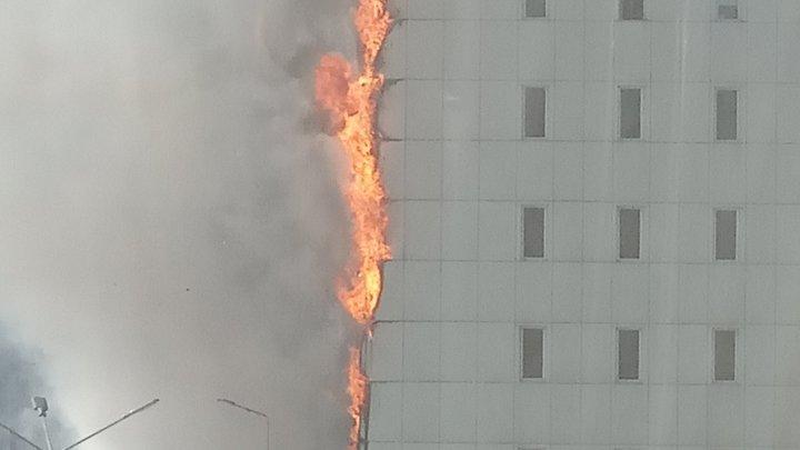 После пожара в Скале Александр Хинштейн потребовал проверить негорючесть фасадов
