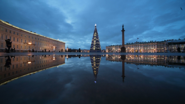 Беглов поручил наделать сувениров из главной новогодней елки Санкт-Петербурга