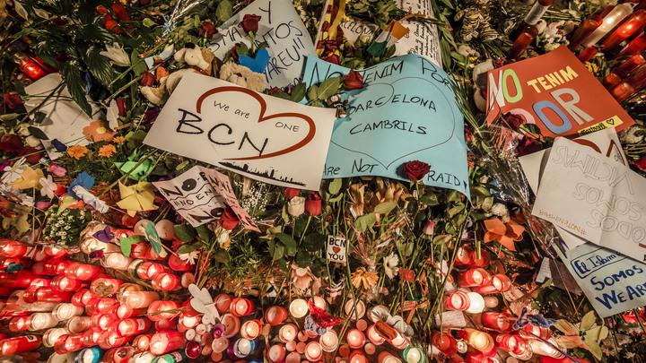 Charlie Hebdo высмеял теракт в Барселоне