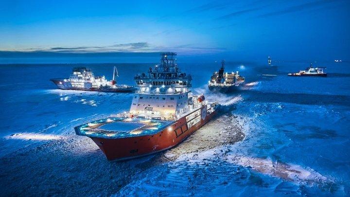 США, ЕС и даже азиатские страны: Эксперт перечислил, кто противостоит России в Арктике
