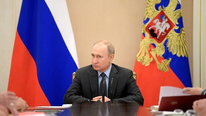 В словах Путина, цитирующего Пушкина надменному соседу, нашли оговорку