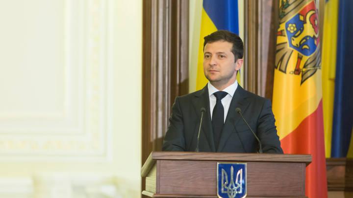 То на мафынке катается, то кушает привселюдно:Речь Зеленского об украинских изобретениях разобрали в Сети