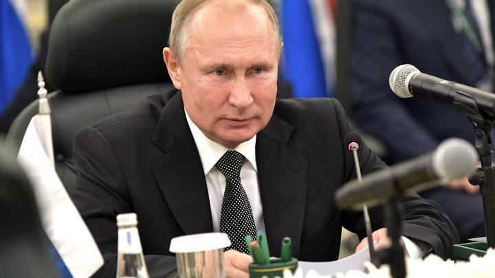 После фальши оркестра Эмираты обходят Саудовскую Аравию: Путин прибыл в Абу-Даби
