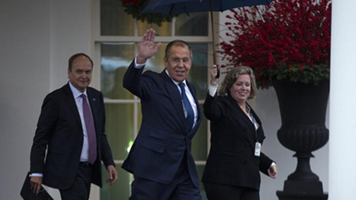 Все дороги ведут к Путину: Трамп похвастался фото с Лавровым. Американцы заподозрили предательство