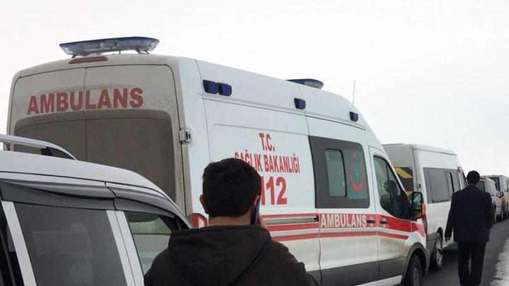 Автобус с туристами из России перевернулся в Турции. Одна из пострадавших умерла