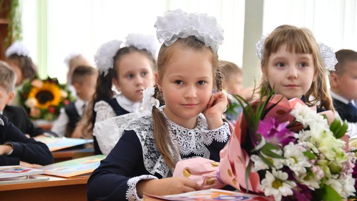 Примар Кишинева требует вернуть детей начальных классов «за парты»