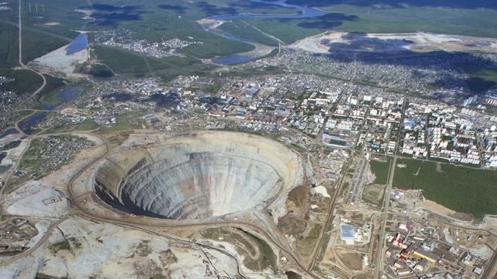 Спасатели предостерегли от очередного прорыва воды на руднике Мир