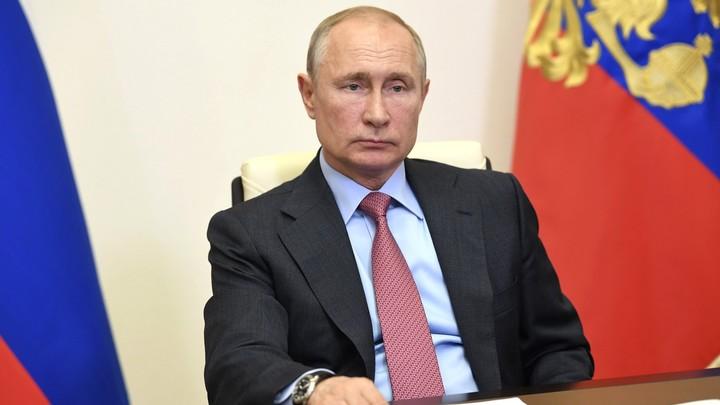 Ручка Путина вновь в центре внимания: На совещании она конкурировала со скрепкой