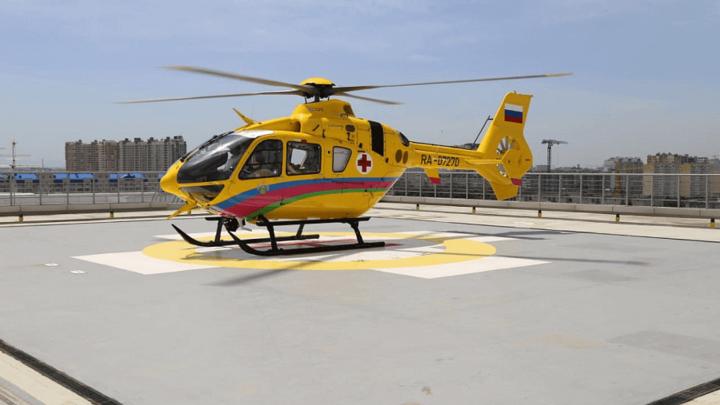 В Краснодар вертолетами доставили двух пострадавших в ДТП с автобусом