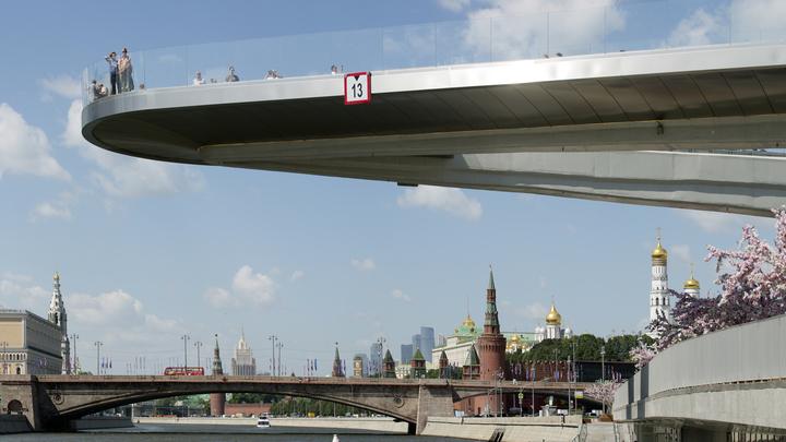 Главный архитектор Москвы связал рост числа любовных свиданий в Зарядье с безопасностью