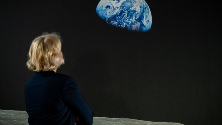 Луна дышит и живет - астронавты Аполлонов смогли это доказать - СМИ