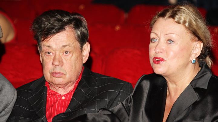 Стыдно! Пожаловавшейся на безденежье вдове Караченцова напомнили о золотой пенсии