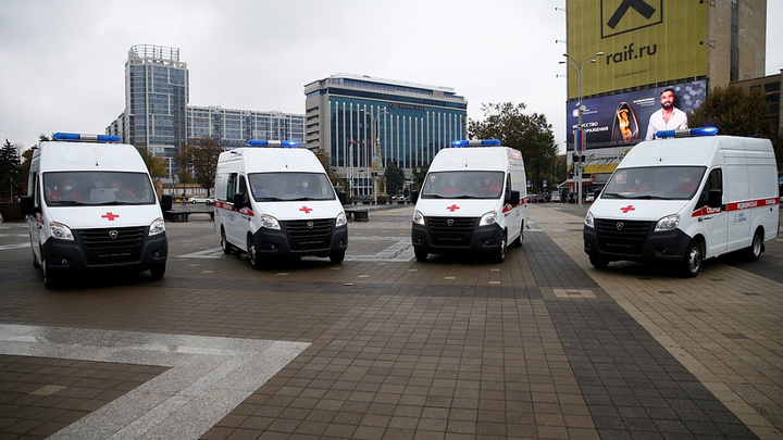 Больницы пять муниципалитетов Кубани получили новые машины скорой помощи