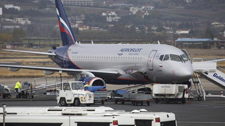 Цены на авиабилеты Superjet выше на 20%, чем у иностранцев, из-за простоев - СМИ