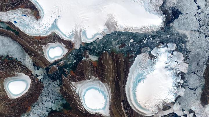 Слияние трещин на леднике Бранта в Антарктиде породит гигантский суперайсберг – СМИ