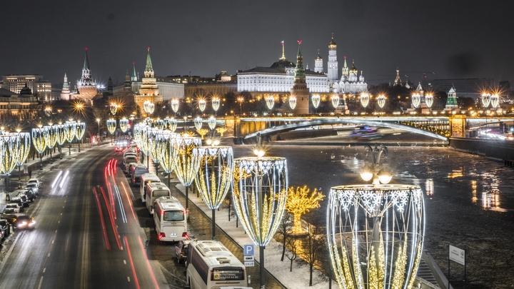Снежная гроза наКрещение удивила жителей столицы— видео