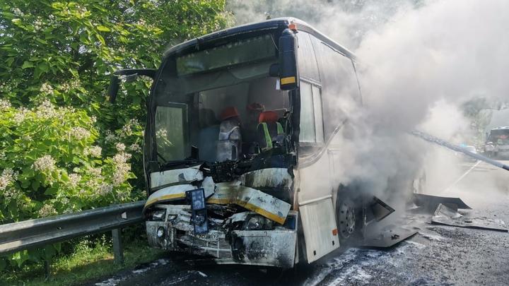 Отказали тормоза: После ДТП с автобусами под Туапсе в больницу доставили водителя и 15 детей