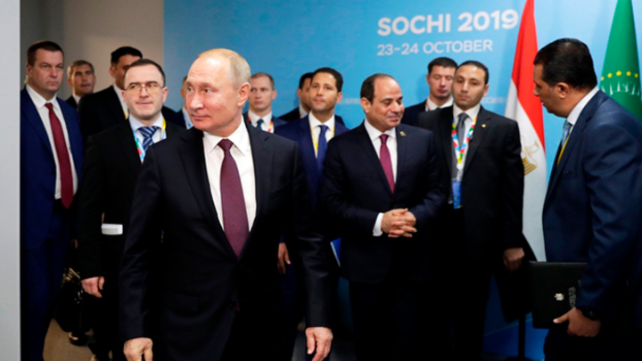Как и почему Россия выигрывает Африку у Запада