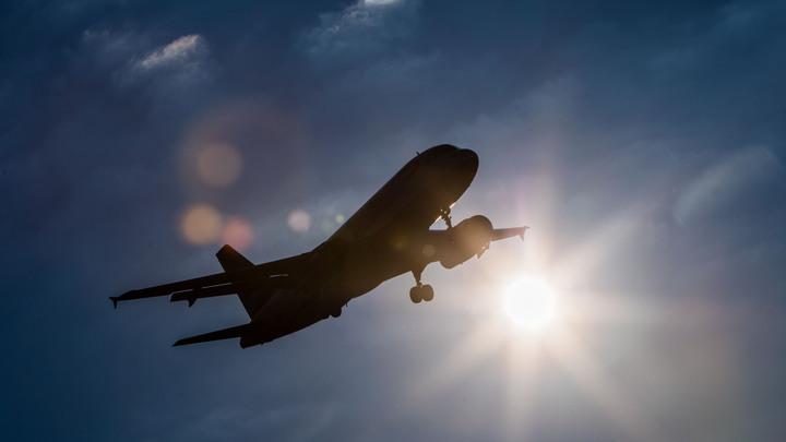 В Амстердаме во взлетающий самолет попала молния