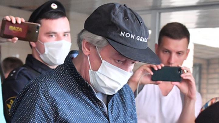 Всë сделано специально: Эксперт указал на странность с видео в деле Ефремова