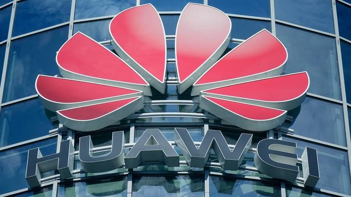 Санкции США до спада доведут: В компании Huawei прогнозируют убытки и сокращения