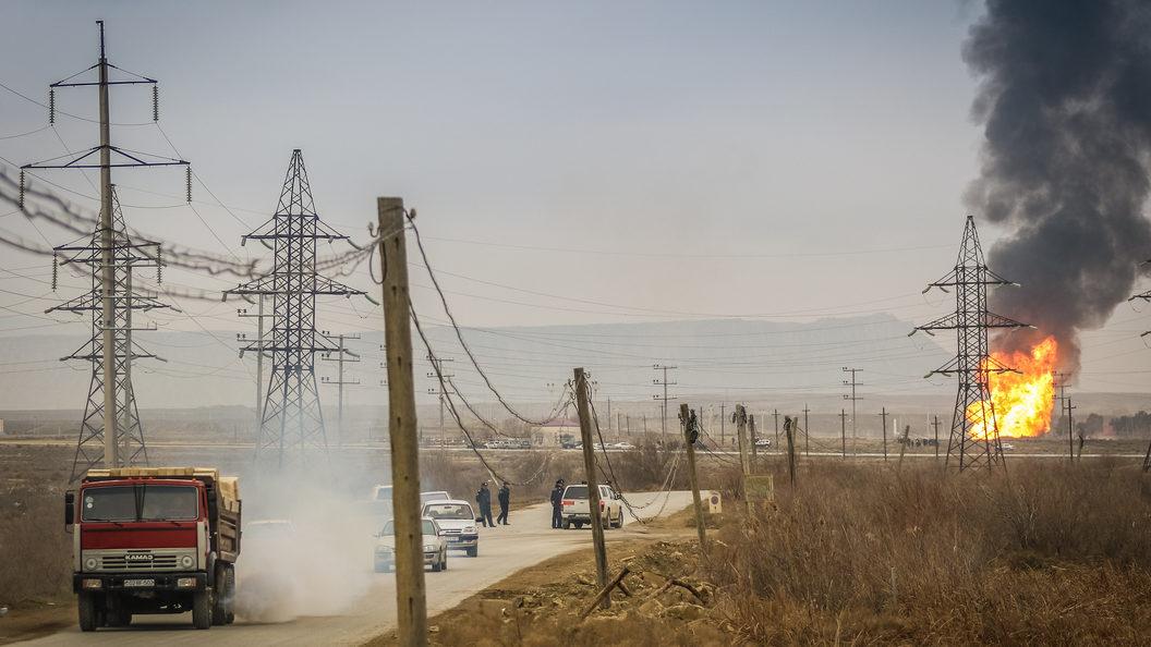 Мощный взрыв прогремел на складе оружия в Азербайджане