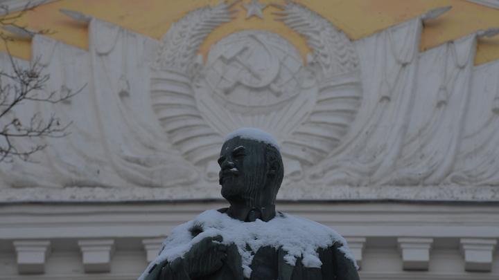 Протоиерей Леонид Калинин предложил деликатно избавиться от памятников Ленину - СМИ