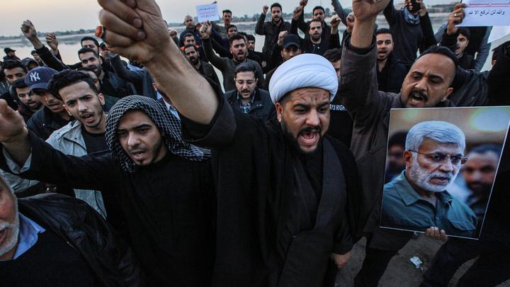 Коалиция наблюдает с воздуха: Над базами пригрозивших американцам шиитов закружили самолеты
