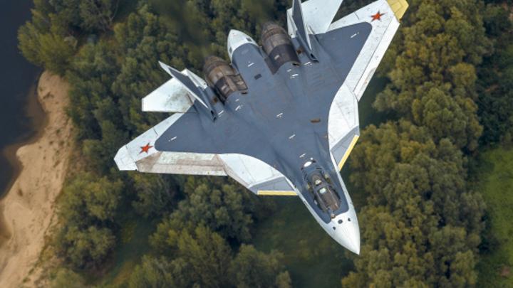 Как в седане класса Е: В Рунете необычная посадка Су-57 на МАКС вызвала жаркие споры